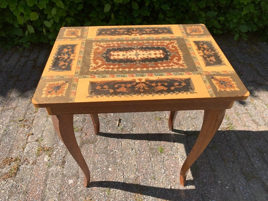 Inlaid Side Table Tables Inventory Glantiques